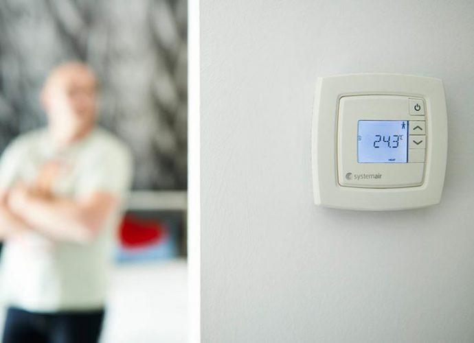 """Mit der neuen Regelungstechnik """"Efficient Ventilation Control"""" (EVC) hat Systemair jetzt ein System auf den Markt gebracht, das die Grenzen der Gewerke sehr einfach überwindet."""