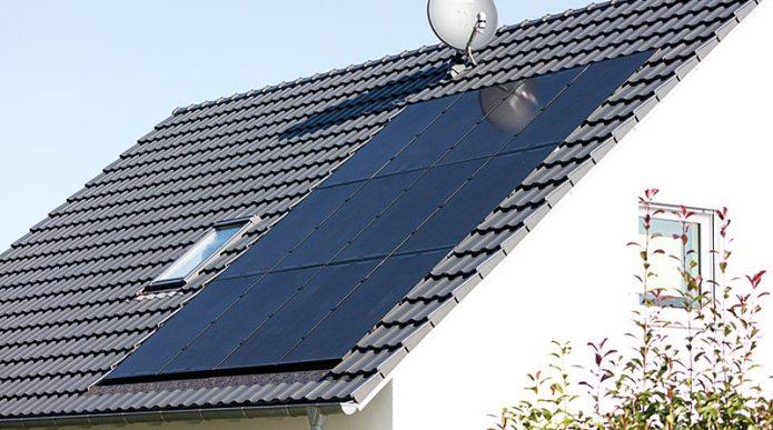 Das neue dachintegrierte Photovoltaik-System von Creaton bildet eine ästhetische Einheit mit der Dacheindeckung. Foto: Creaton GmbH