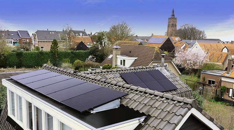 Die Markteinführung der SolarEdge Smart Modules in der DACH-Region ist ein wichtiger Meilenstein in der Strategie des Unternehmens, Privatkunden eine ganzheitliche, nahtlose Lösung für das Solarenergiemanagement zu Hause zu bieten.