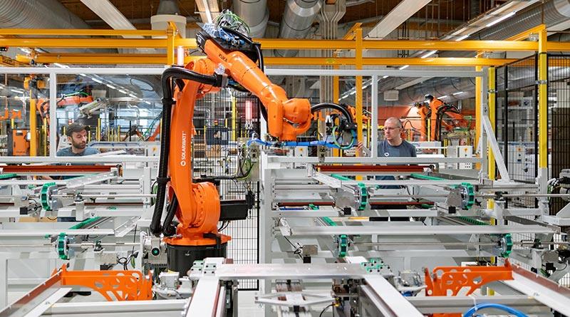 Modulproduktion in der neuen Solarwatt-Fertigung in Dresden. Bildquelle: SOLARWATT GmbH